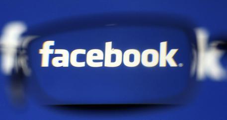 Facebook, arrivano le chat private nei Live